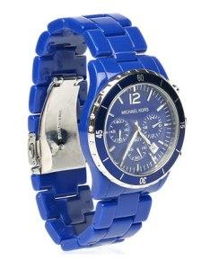 hbz-smart-shopping-cobalt-cool-michael-kors-watch-de